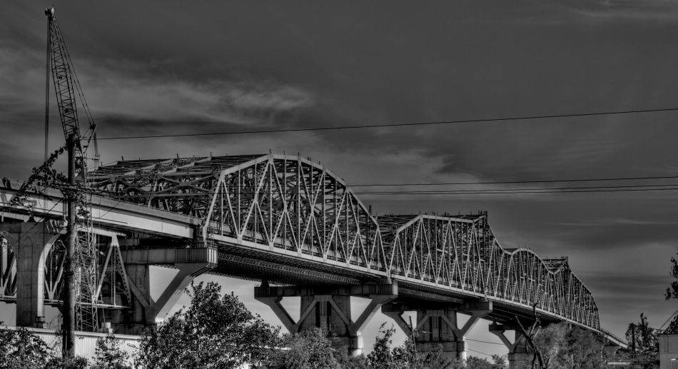 The Huey P Long Bridge in Jefferson, Louisiana spanning the Mississippi river.