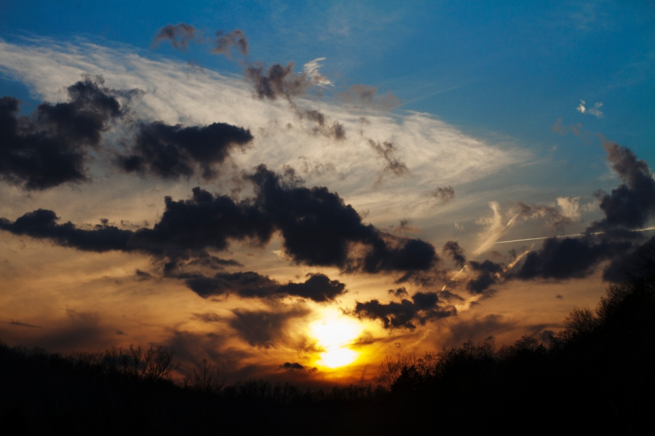 A sunset with clouds in Black, MO